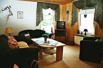 ferienwohnung in norden mit terrasse und liegewiese. Black Bedroom Furniture Sets. Home Design Ideas